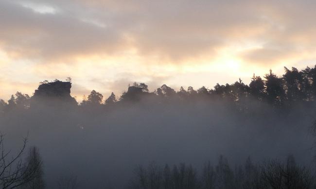 Sonnenaufgang im Dezember, Pfälzer Wald bei Dahn